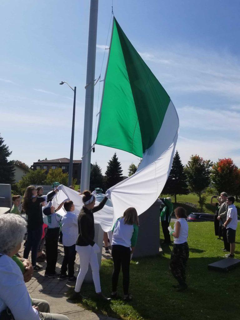 Lever-du-drapeau-Rockland-1-768x1024.jpg